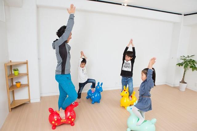 世田谷でヨガ教室に通うなら【stylez】へ!お子様・親子向けのトレーニング